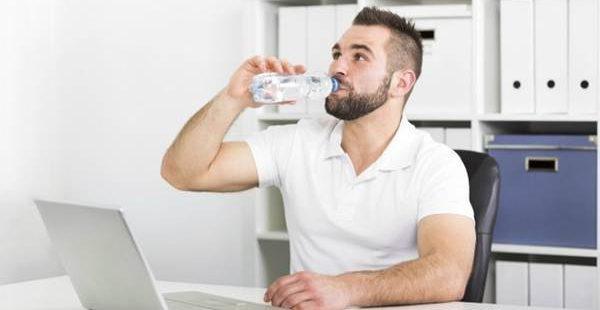 Beba-agua-todo-o-dia
